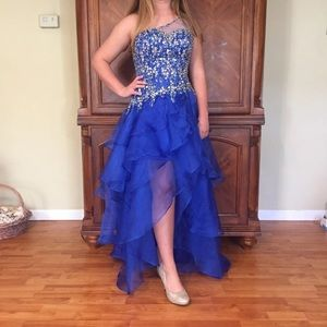 Gorgeous Mori Lee prom or pageant dress